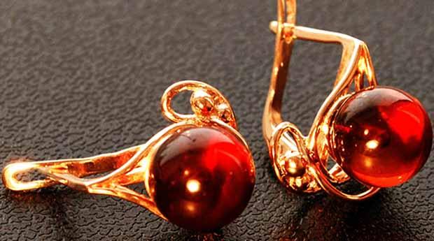 00cea243e641 Виды и особенности ювелирных изделий c янтарем